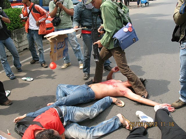 PRP Indonesia's dramatic demonstration in Jakarta, 25th May 2010